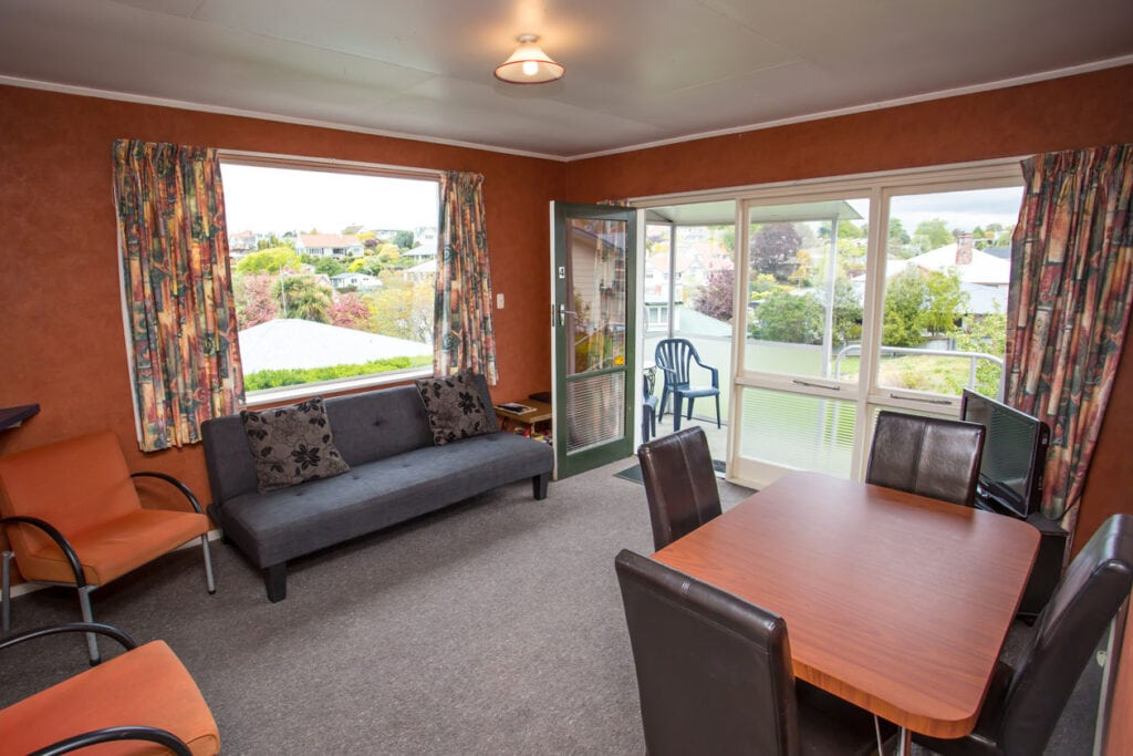 homestead-lodge-motel-budget-apartment-two-7