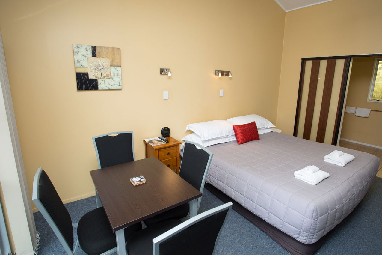 homestead-lodge-motel-family-suite-3