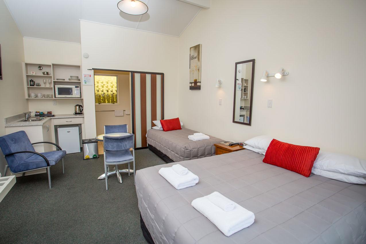 homestead-lodge-motel-studio-Kitchenett-4